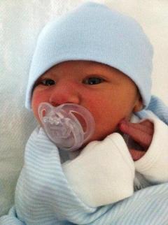 Dylan, 3 weeks old